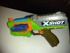 Zuru XShot Swarm Seeker Bug Attack blaster